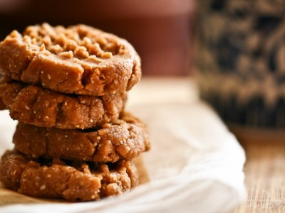 Cacao Dusted Peanut Butter Cookies | Herbal Academy | Healthy, almost raw, Peanut Butter Cookies made with cashews and dates! They're gluten and wheat free, without flour, refined sugars, eggs, or butter.