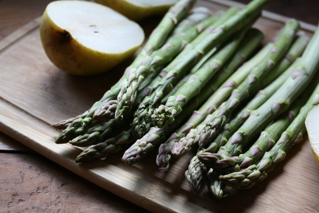 Asparagus Tart with Pear Cream Ricotta and Balsamic Date Glaze | Herbal Academy | Asparagus is in full bloom this time of the year. Here's a simple, dairy-free roasted asparagus with pear and tofu cream sauce and a tangy balsamic glaze!