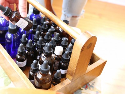 How to Begin Your Herbalist Training - tinctures