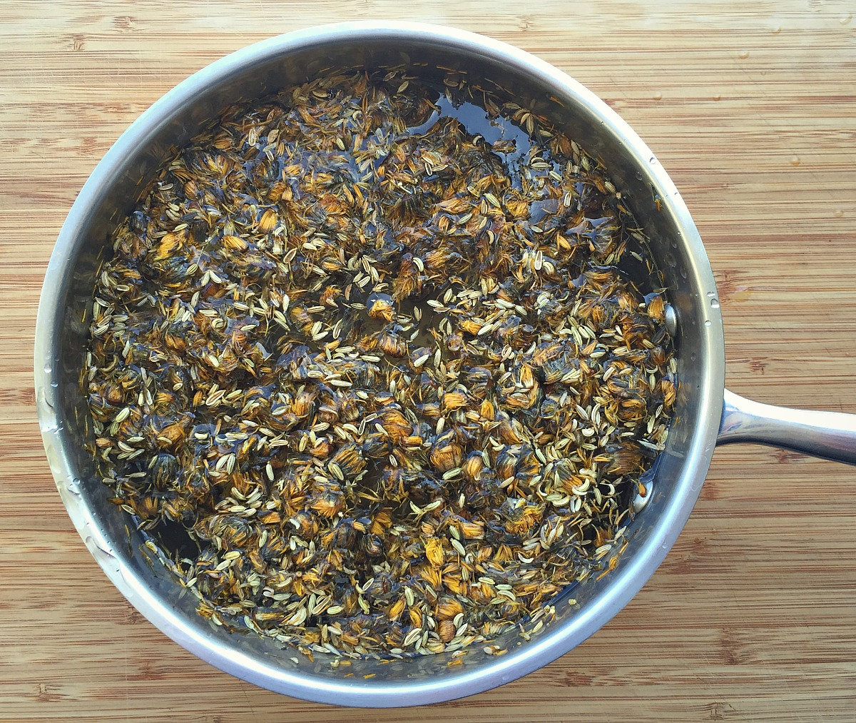 How To Make Dandelion and Fennel Kombucha | Herbal Academy | Kombucha is easy to make at home and you can flavor it to your own liking. Give this dandelion and fennel kombucha a try!
