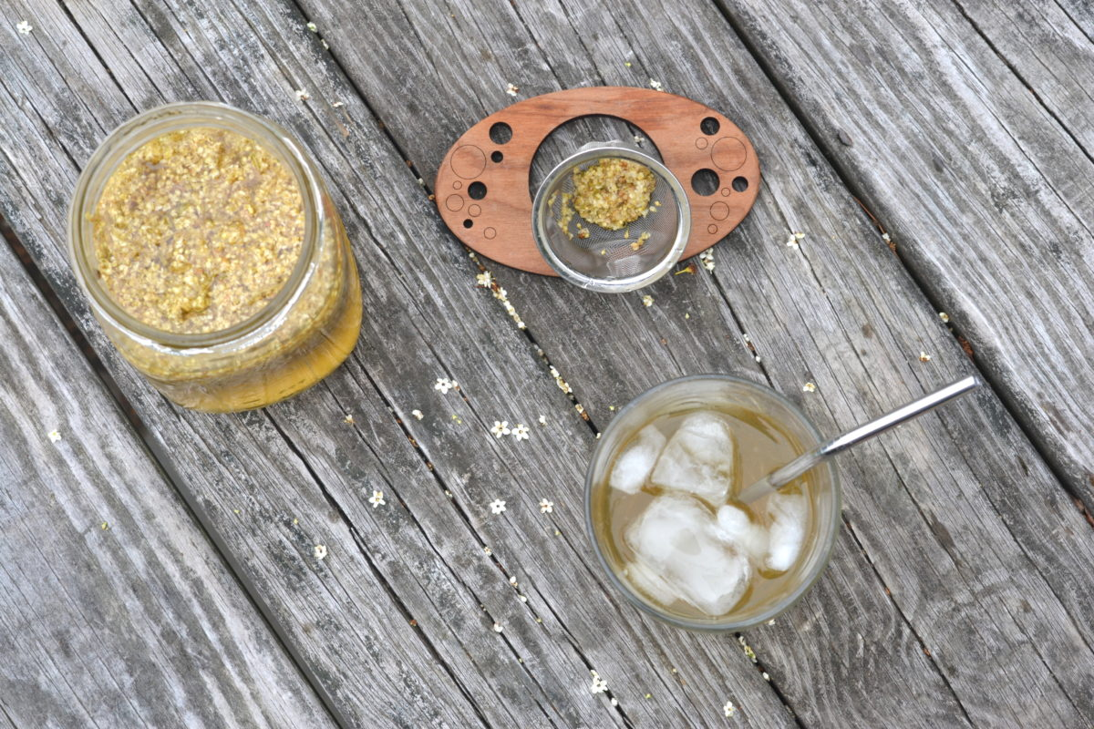 3 Cooling Herbal Teas For Summer | Herbal Academy | Looking for ways to beat the summer heat? Find relief with these 3 cooling herbal teas for summer that your family and friends will love!