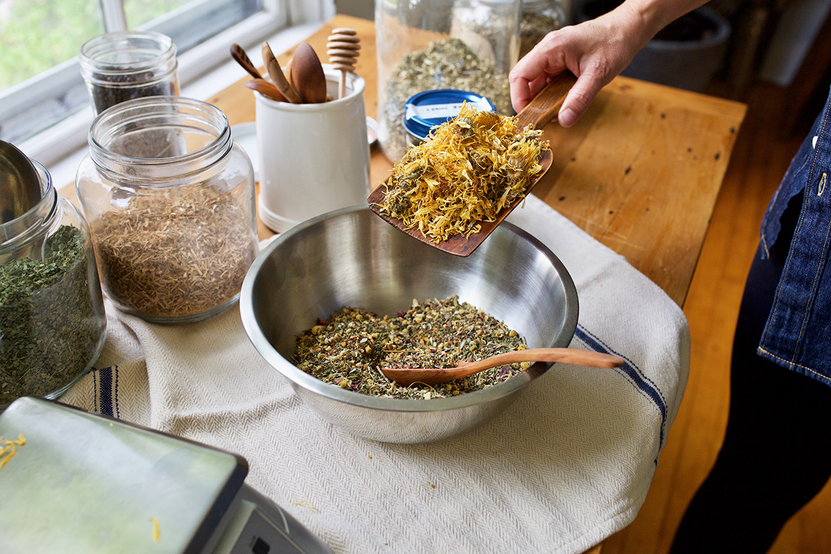 How To Formulate A Gut-Nourishing Herbal Tea Blend | Herbal Academy | Learn how to formulate a gut-nourishing herbal tea blend from start to finish, and keep your gut happy and functioning properly!