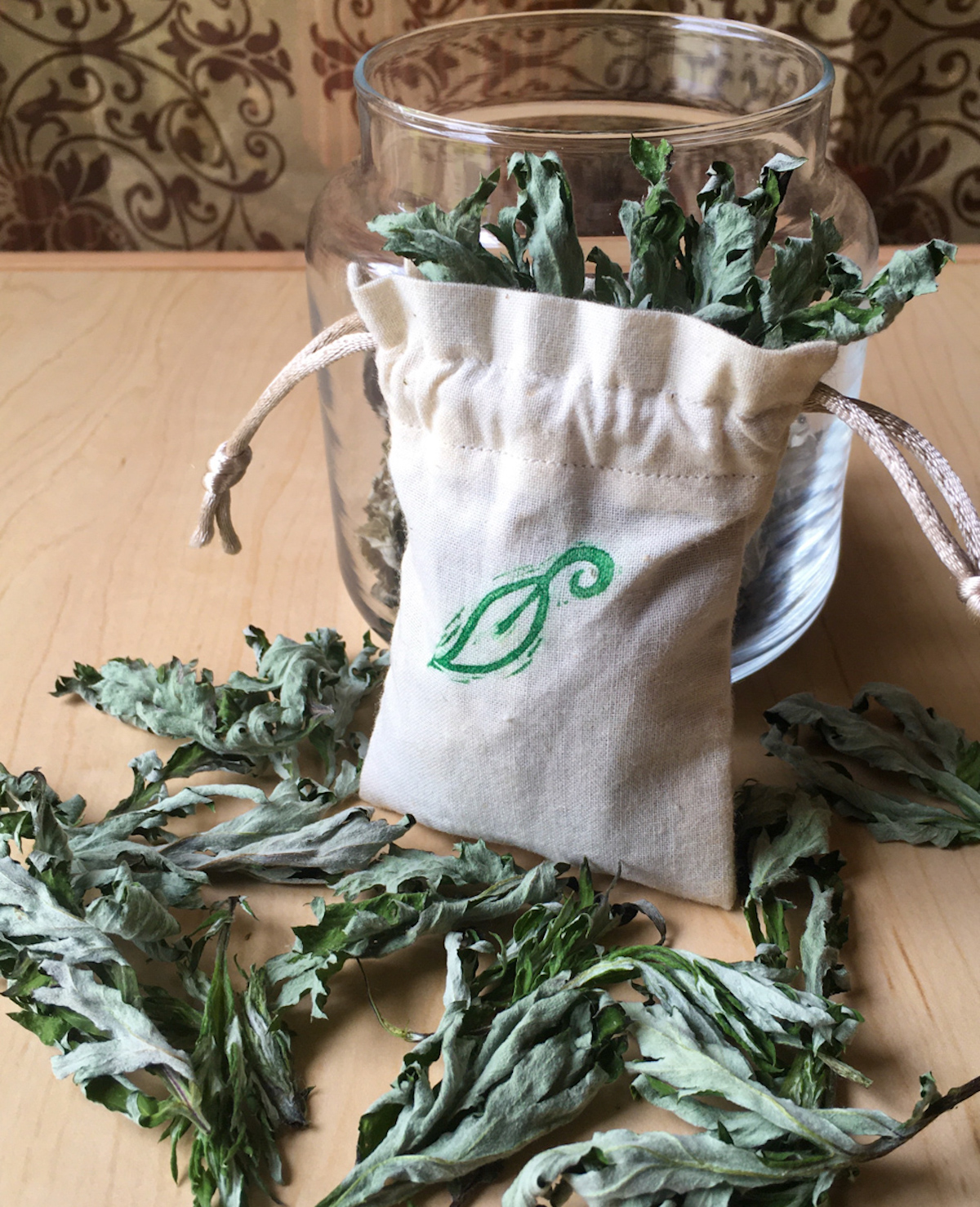 Learn how to use mugwort in a dream pillow