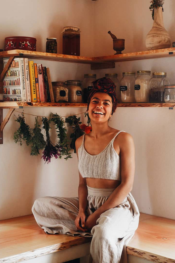 Student Feature: Cat Seixas (@TheOliveTreesAndTheMoon) | Herbal Academy | In the first installment of our Student Feature Series, we chatted with Cat Seixas (@TheOliveTreesAndTheMoon) about how herbalism has impacted her life.