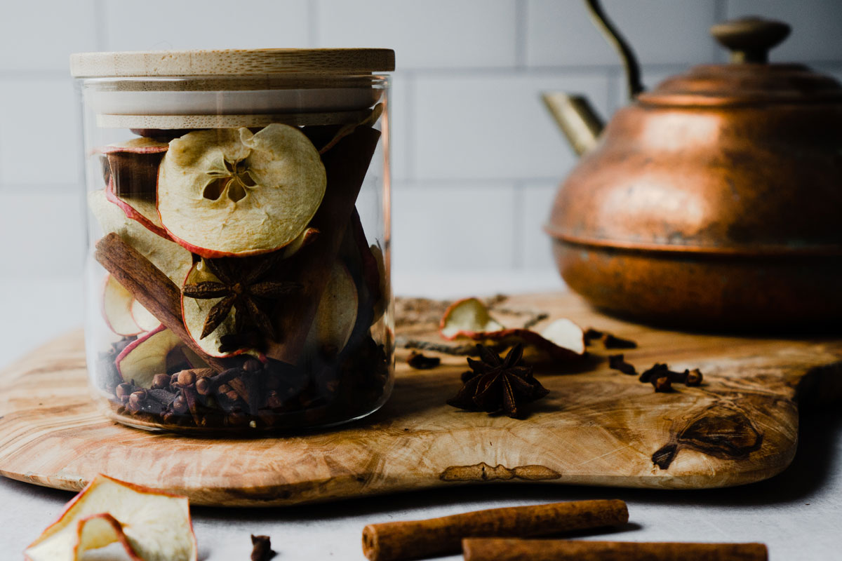 Apple cinnamon stovetop potpourri recipe in a jar
