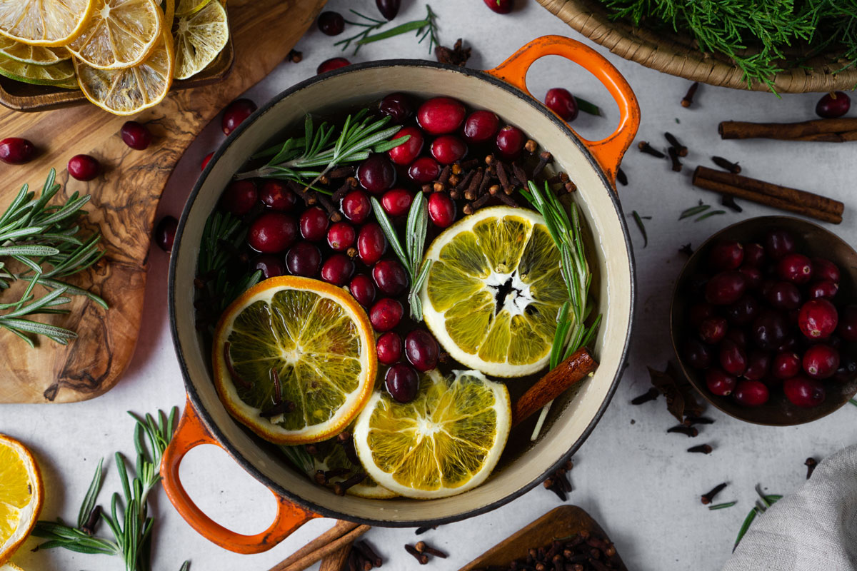 Holiday Stovetop Potpourri Recipe The Smell Of The Season Herbal Academy