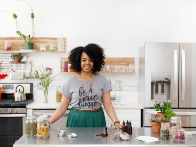 Herbal Academy Student Feature: Kendra Payne @the.herbal.scoop   Herbal Academy   In another Student Feature interview, we spoke with Kendra Payne, the owner of a discovery-based herbal botanical shop, The Herbal Scoop.