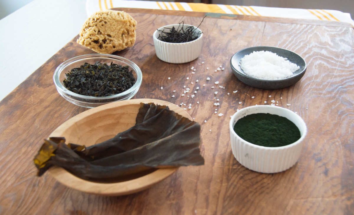 seaweed in bowls on a table