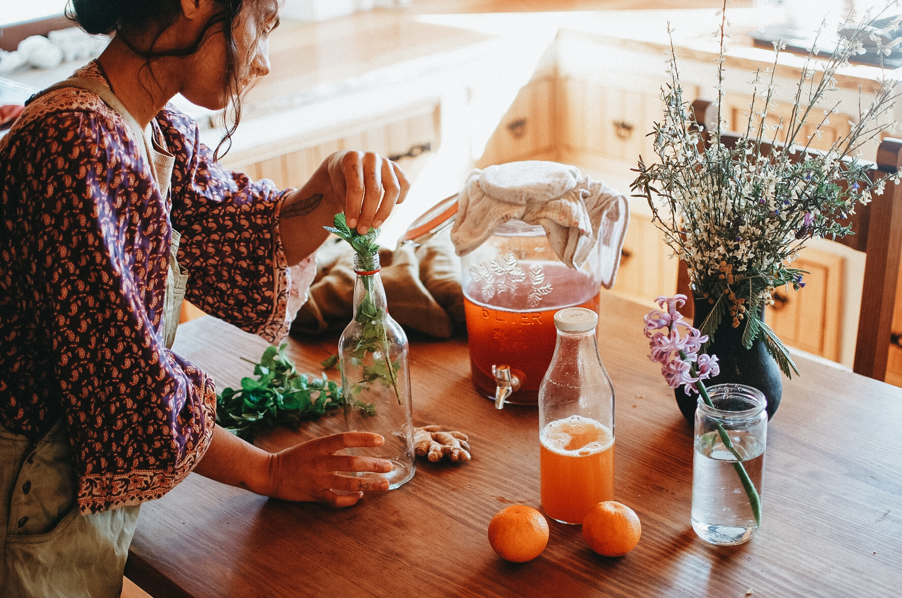 Making Herbal Kombucha, mead, and beer – The Craft of Herbal Fermentation Course