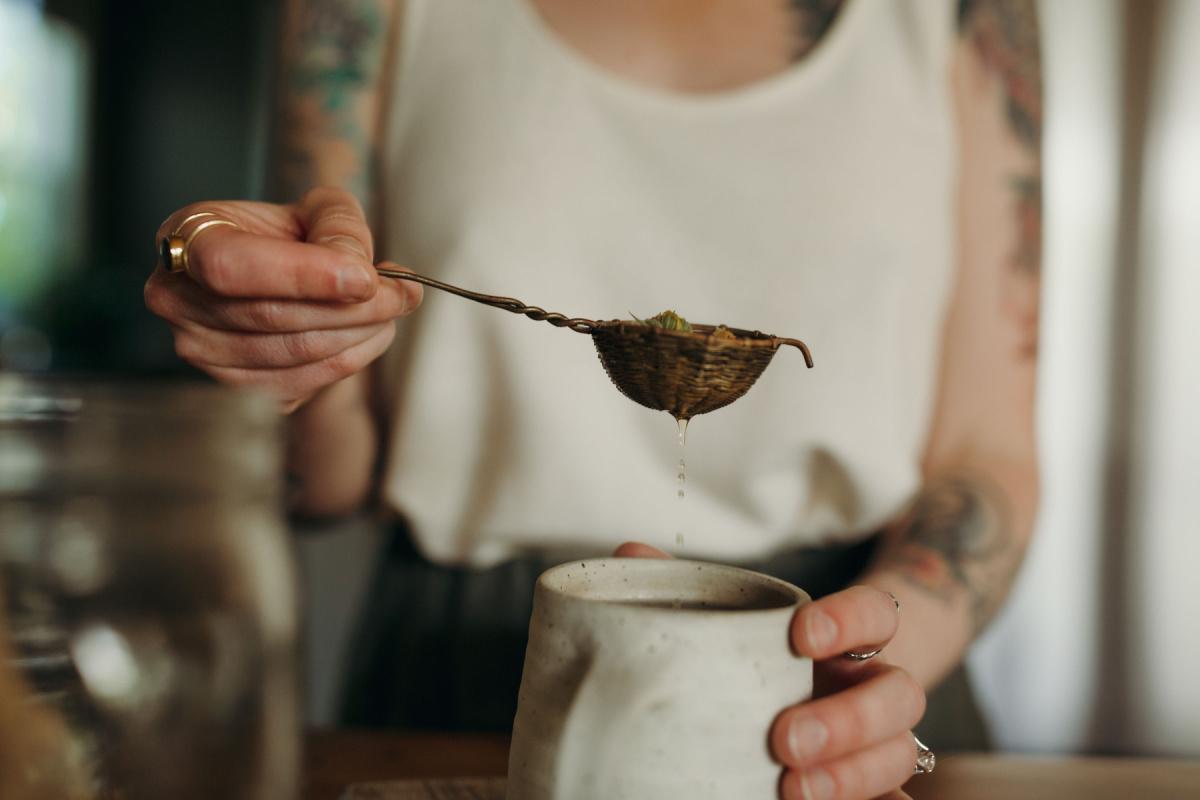 straining tea